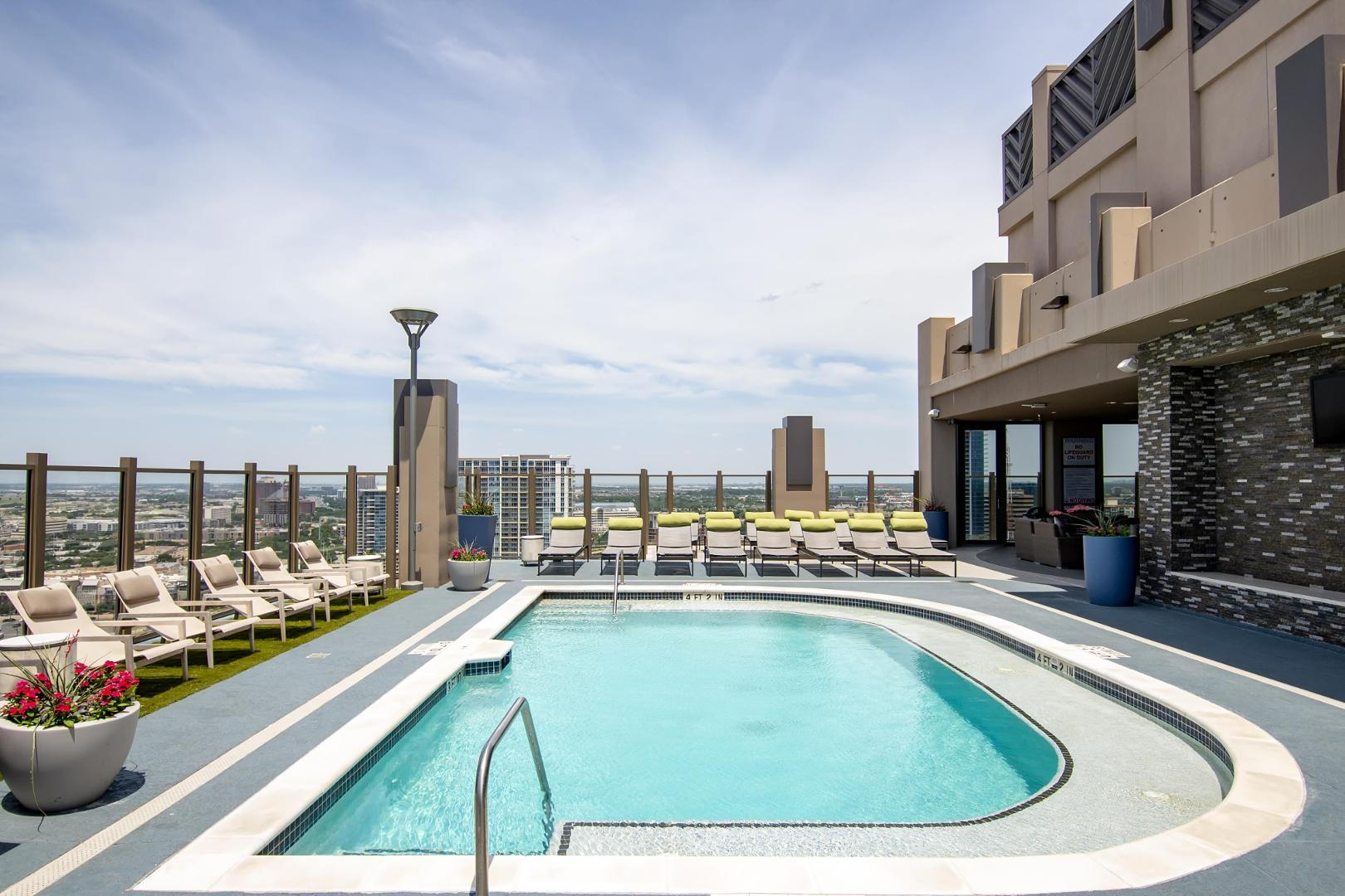 1701 Payne Street #0306, Dallas, TX - $2,805 USD/ month