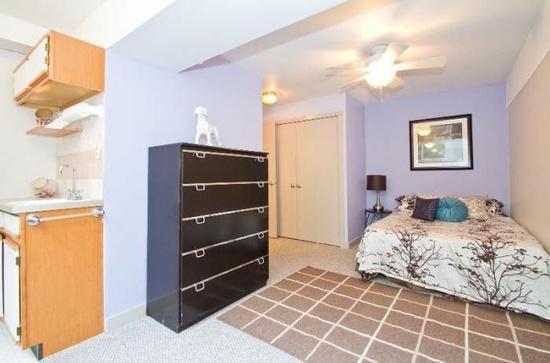 4005 Woodland Avenue, Philadelphia, PA - 925 USD/ month
