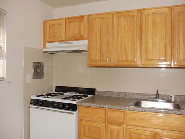 27 Green Street #34B, Westwood, NJ - 1,880 USD/ month