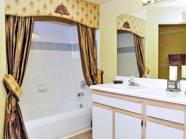 5100 West Sample Road #02-101, Coconut Creek, FL - 2,015 USD/ month