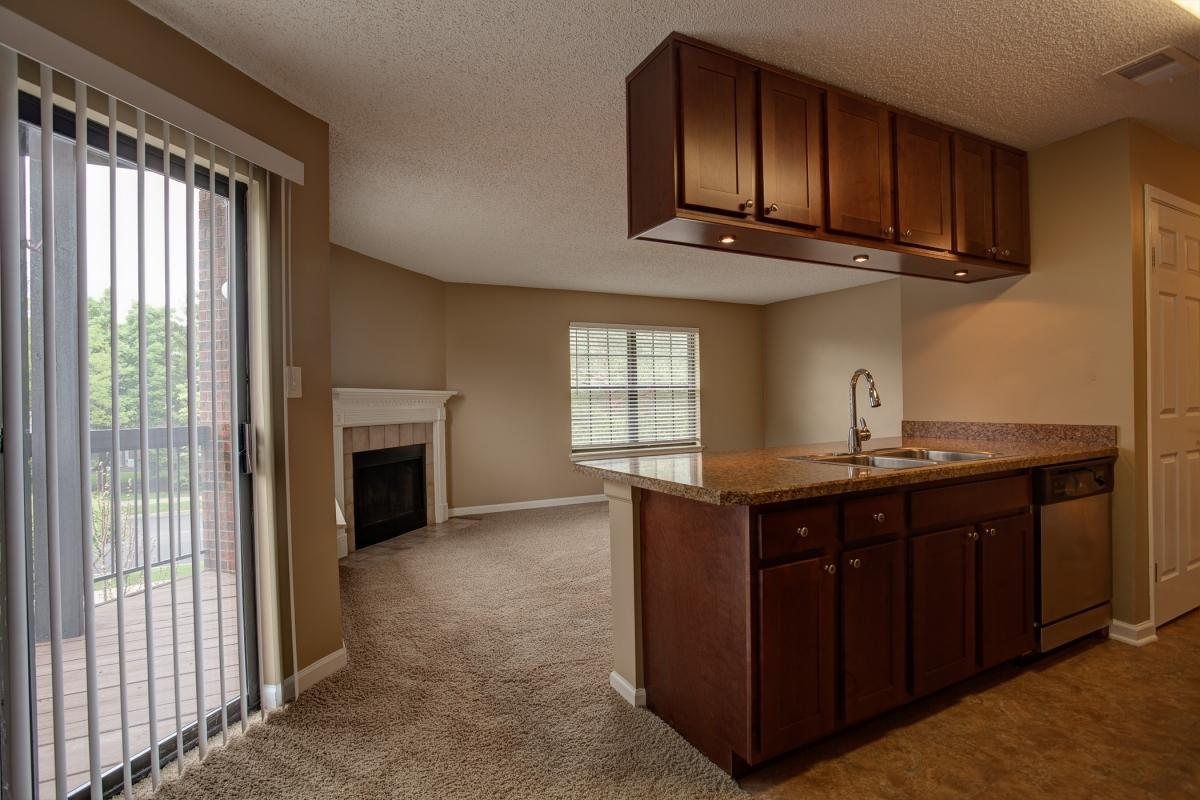 1601 W Woods Dr #1720, Arlington Heights, IL - $1,805 USD/ month