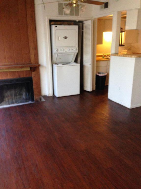 7152 Fair Oaks Avenue #1042J, Dallas, TX - $900 USD/ month