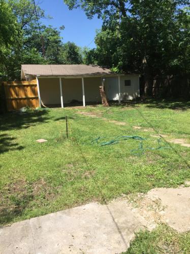 411 South Montclair Avenue, Dallas, TX - $2,100 USD/ month