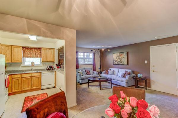 915 Cedar Tree Lane #905-11, Claymont, DE - 1,340 USD/ month