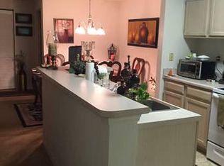 5606 Pinnacle Heights Circle #303, Tampa, FL - $1,300 USD/ month