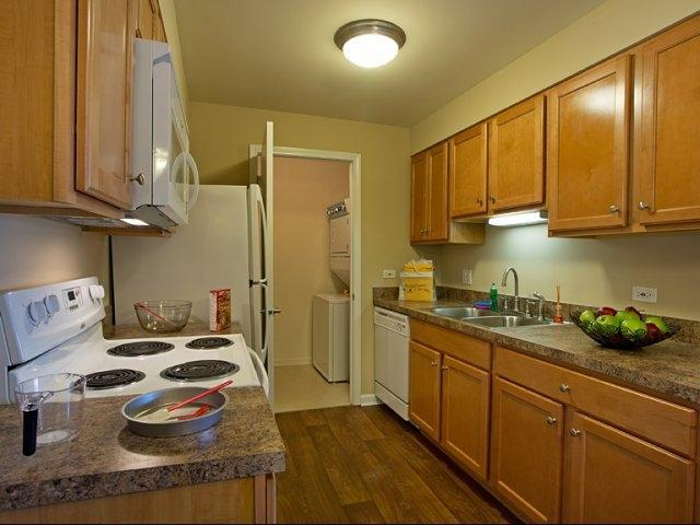 1551 E Central Rd #16307, Arlington Heights, IL - $1,855 USD/ month