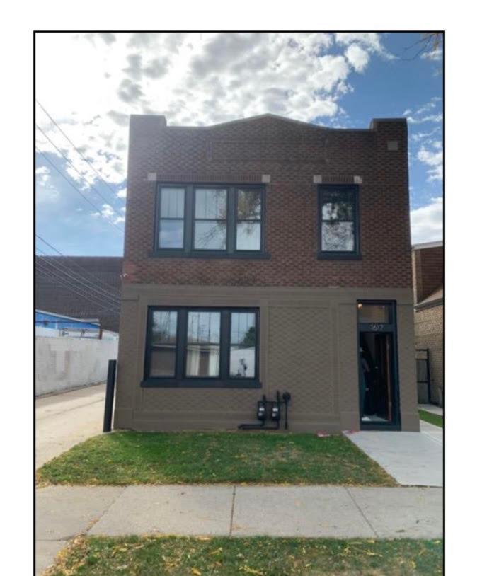 1617 W 37th Street, Chicago, IL - $1,600 USD/ month