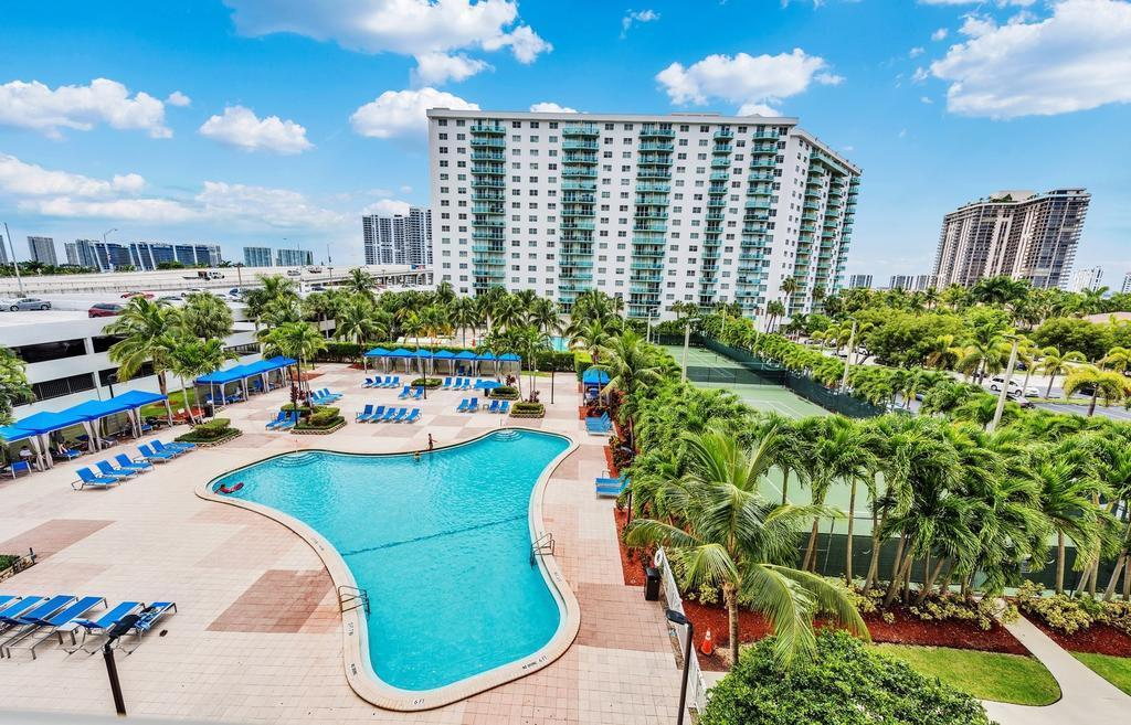 19370 COLLINS AVE, SUNNY ISLES BCH, FL - $1,500 USD/ month