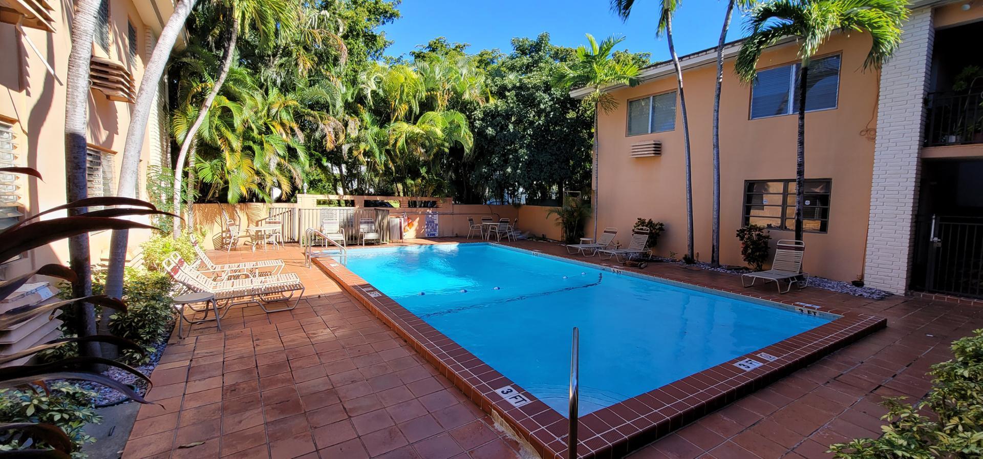 218 Santillane Ave #11, Coral Gables, FL - $1,450 USD/ month
