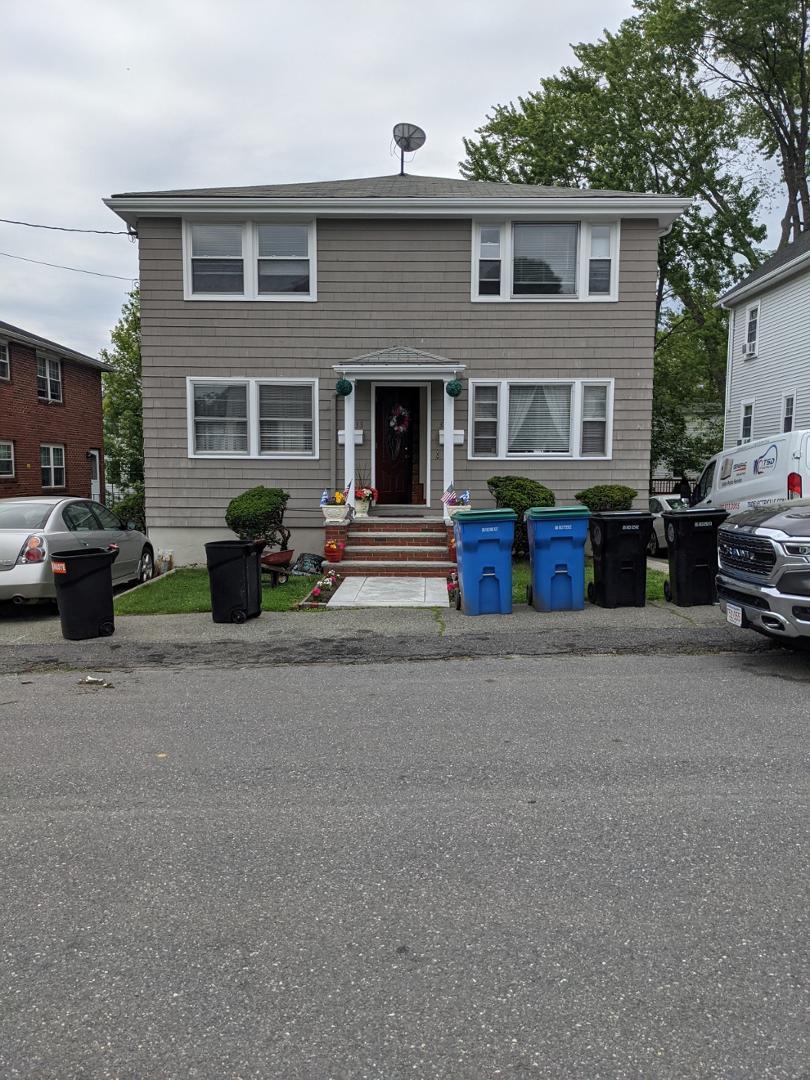 33 Hamilton Road, Belmont, MA - 2,600 USD/ month
