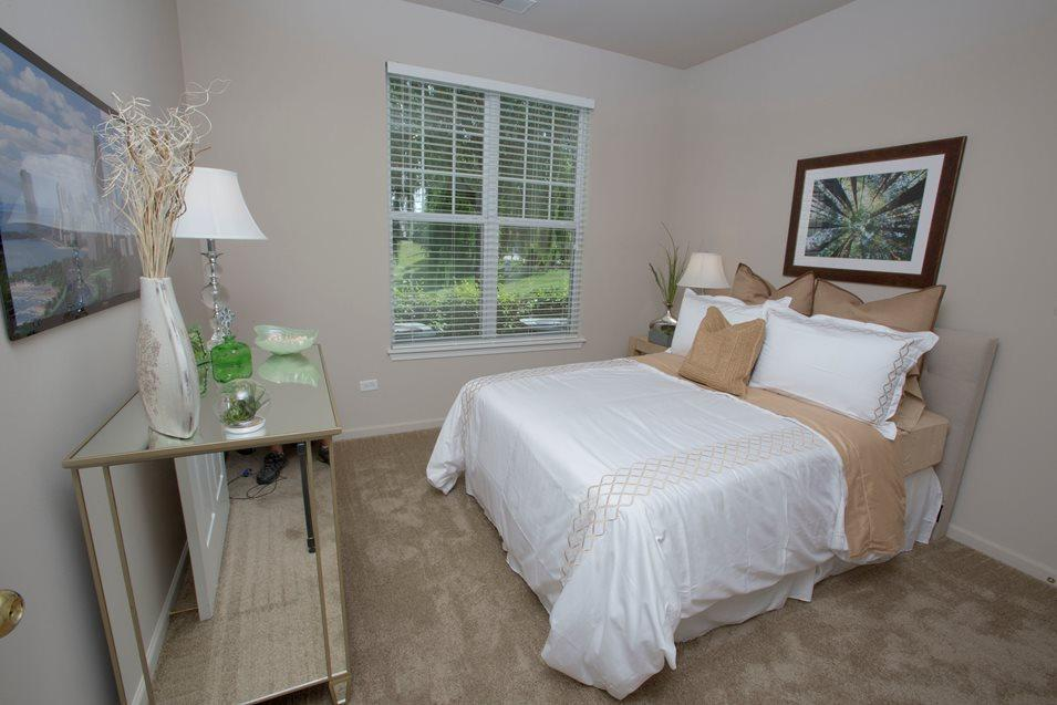 2288 Oakmeadow Drive #094809, Aurora, IL - $1,795 USD/ month