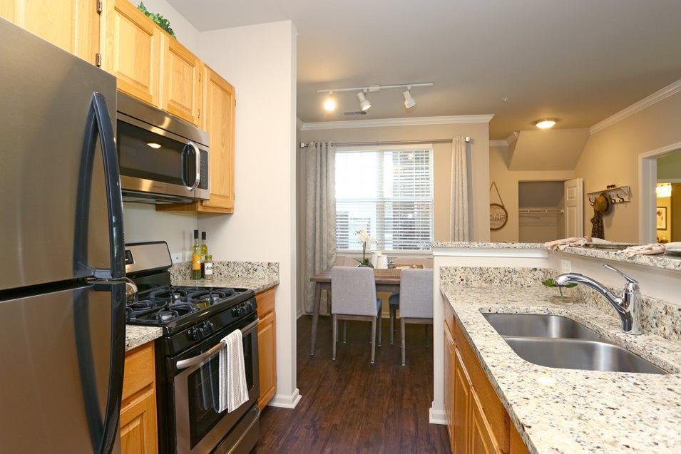 2288 Oakmeadow Drive #133216, Aurora, IL - $1,570 USD/ month