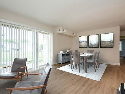 152 Chestnut Crossing Dr #122F - 1349USD / month