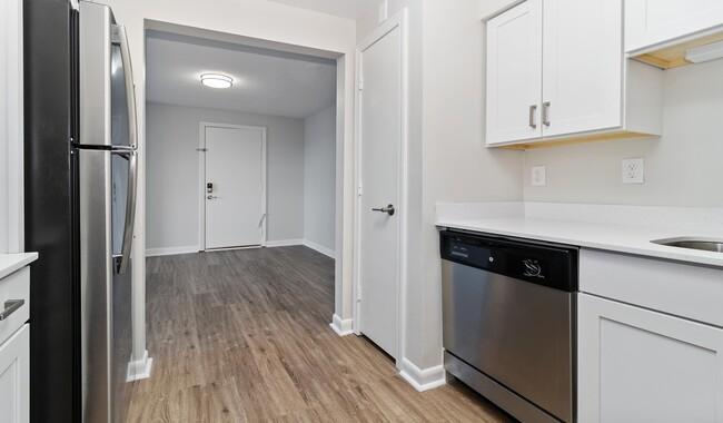 51 Meadow Lane #023-08, Bridgewater, MA - 1,606 USD/ month
