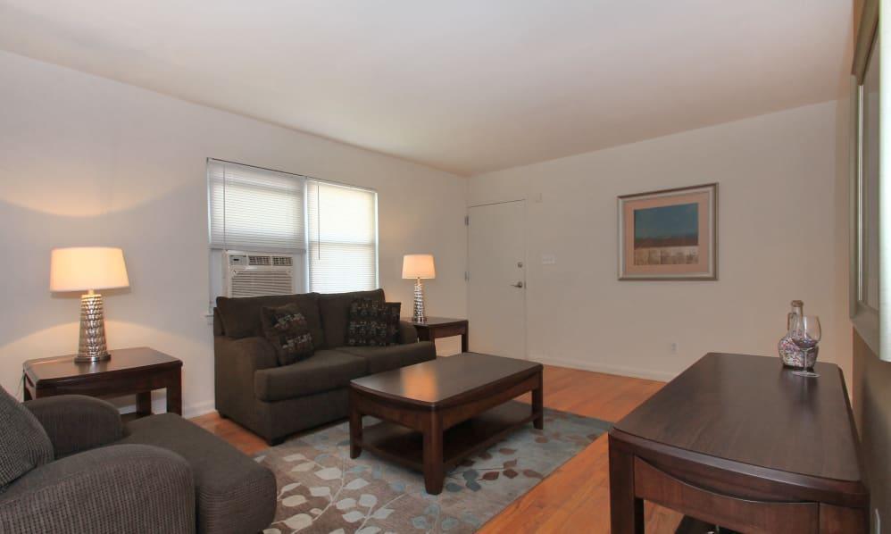 24 Mola Blvd #B79, Paterson, NJ - 3,030 USD/ month