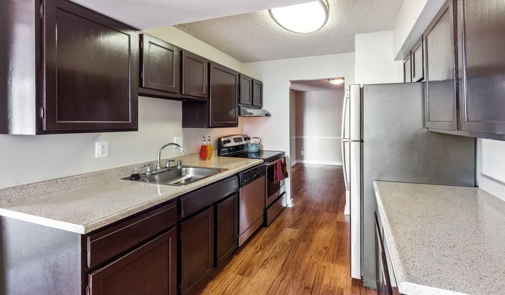 4327 Ravensworth Rd #609, Annandale, VA - 1,690 USD/ month
