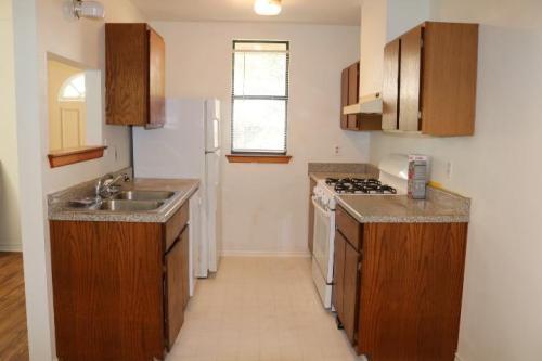 1609 Roberts Avenue #2, Austin, TX - $810 USD/ month