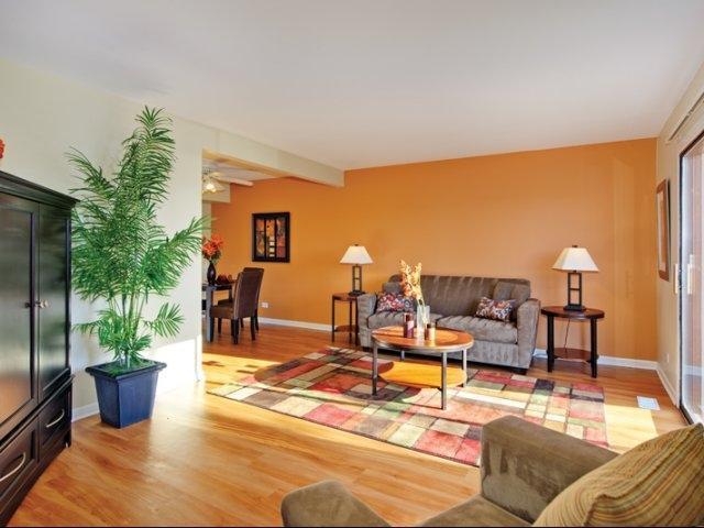3514 W 83rd St #3348, Woodridge, IL - $1,965 USD/ month