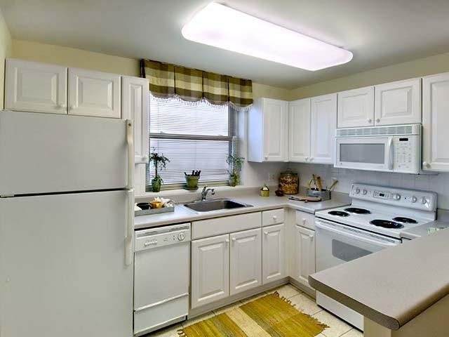 95 W Squantum Street #0603, Quincy, MA - $2,111 USD/ month