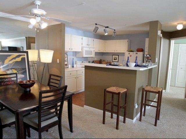 30000 Village Green Blvd #1005, Warrenville, IL - $2,172 USD/ month