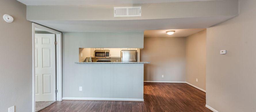 1111 W Main Street #3204, League City, TX - 1,245 USD/ month