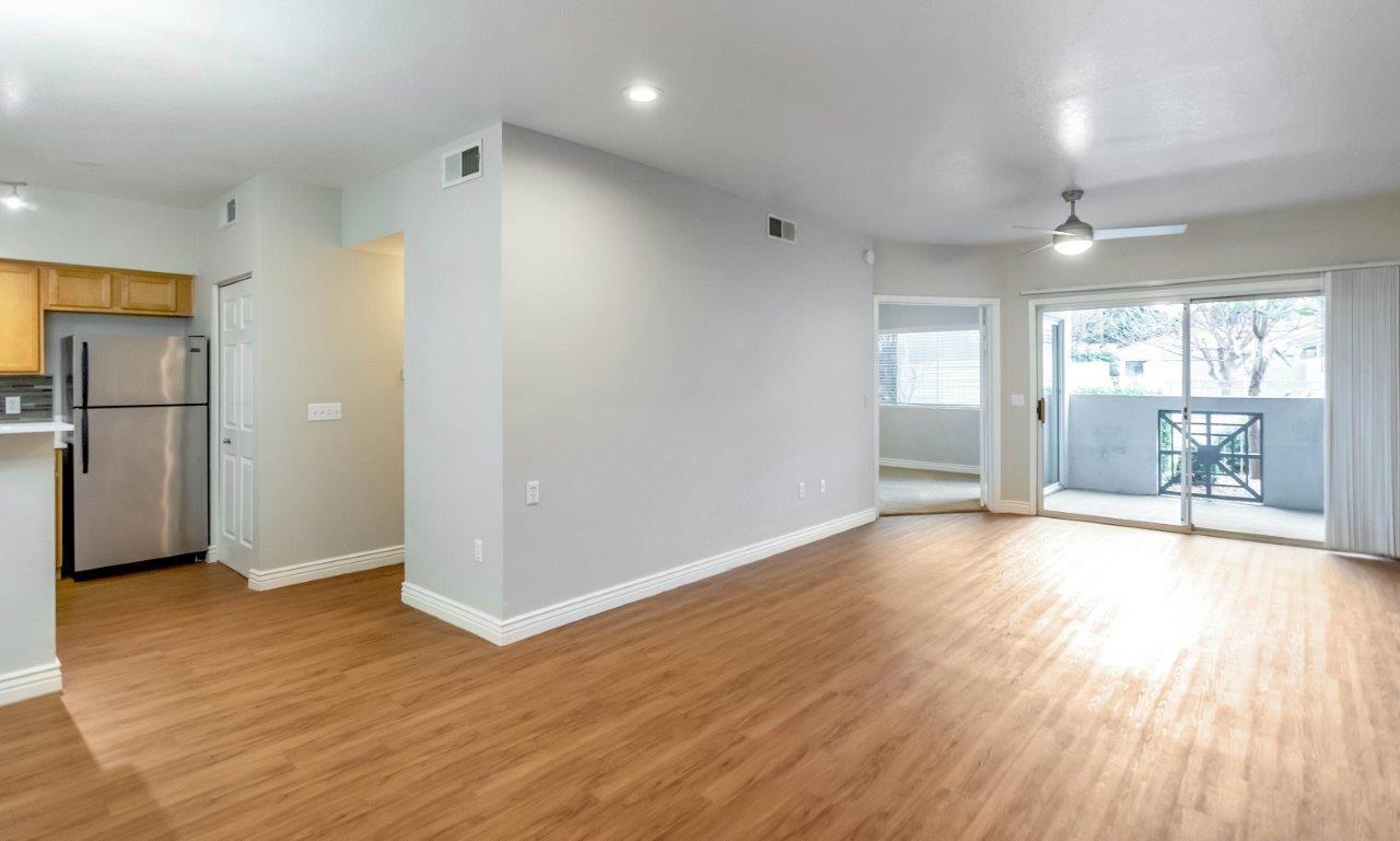 3501 E Camelback Rd #210, Phoenix, AZ - $2,634 USD/ month