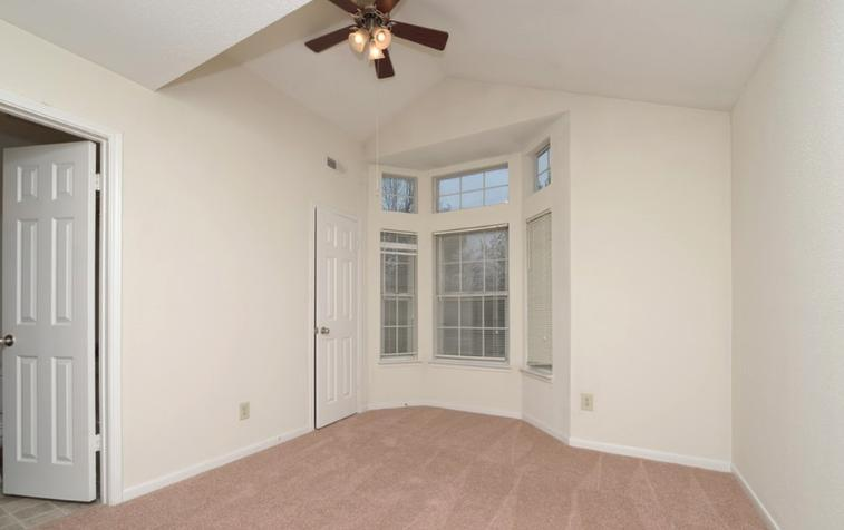 630 Smithfield Road #1015, North Providence, RI - 1,465 USD/ month