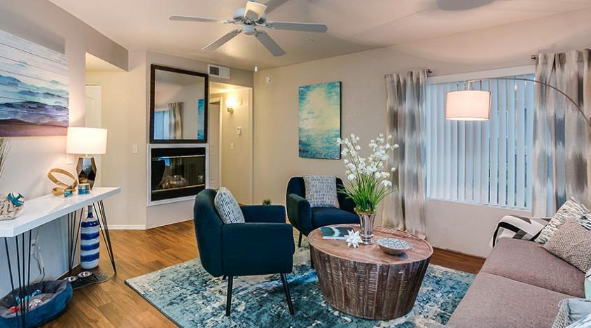 7400 W Arrowhead Clubhouse Dr #1057 - 1395USD / month