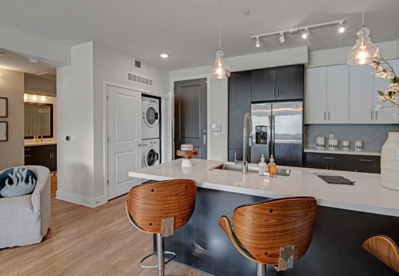 330 E Roosevelt Street #5082, Phoenix, AZ - $3,895 USD/ month