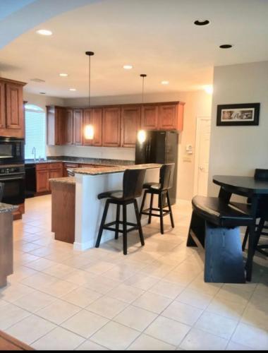 4034 Glen Cove Drive, Houston, TX - 3,150 USD/ month