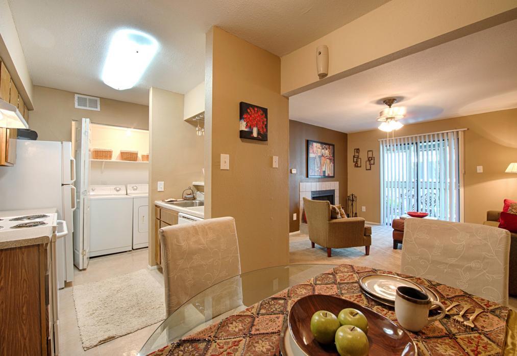 3402 Preston Road #716, Pasadena, TX - 969 USD/ month