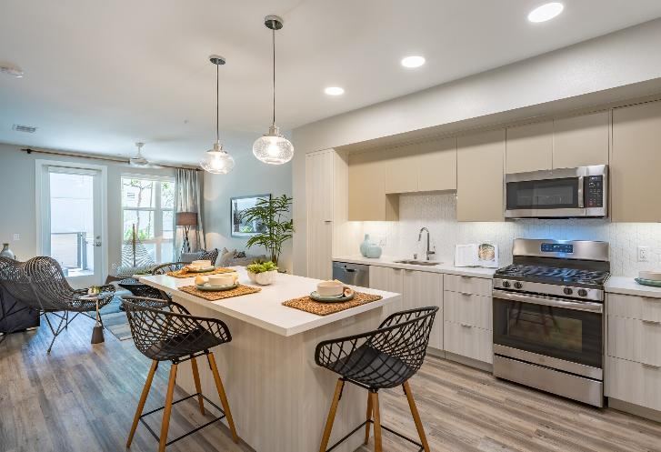 4275 Mission Bay Drive #227 - 2997USD / month