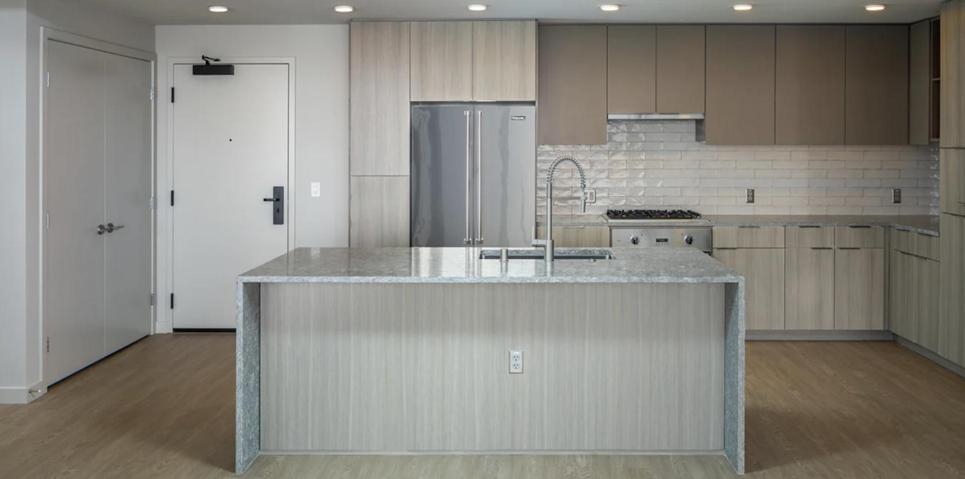601 11th Avenue #2015, San Diego, CA - $4,825 USD/ month