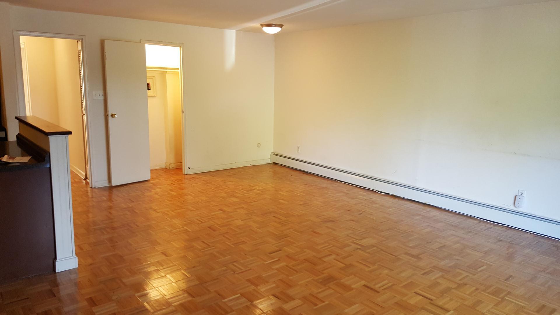 97 Ashland Avenue #FP-2BR/2BA Balcony, Bala Cynwyd, PA - 1,595 USD/ month