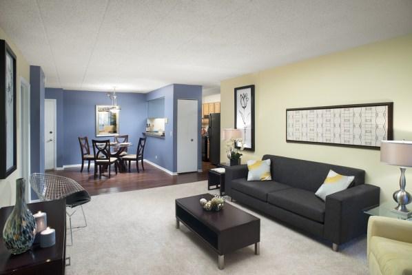 830 Foxworth Blvd #3415, Lombard, IL - $2,055 USD/ month