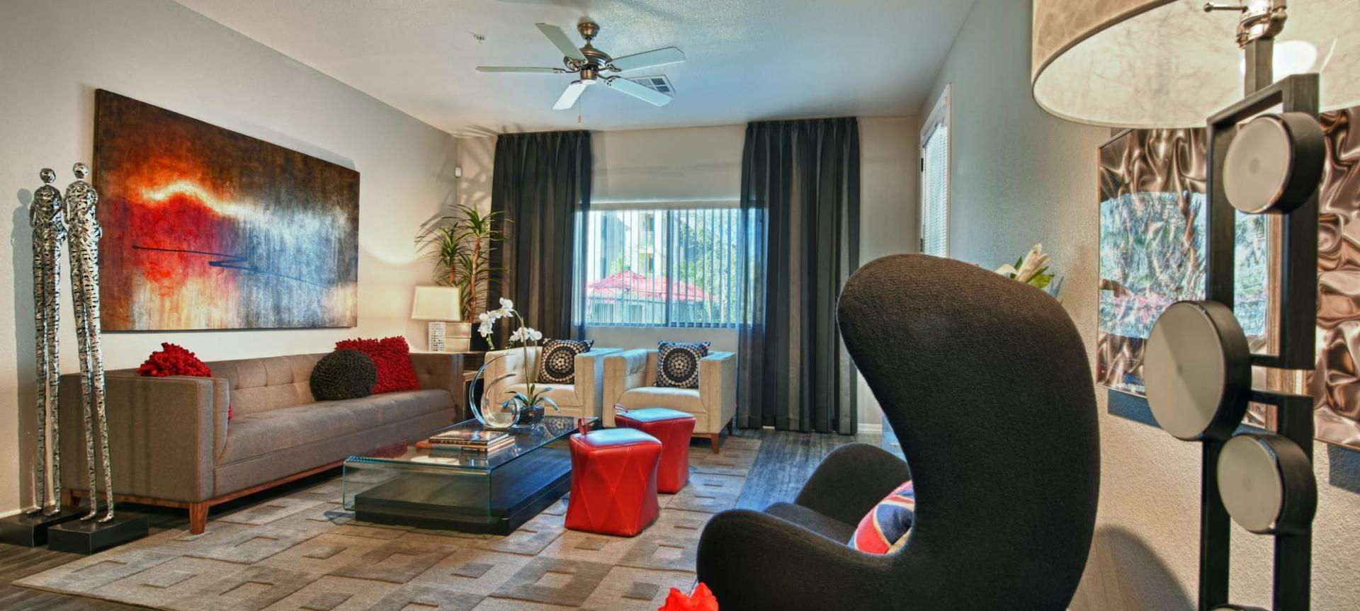 18250 N 25th Ave #2060 - 2220USD / month