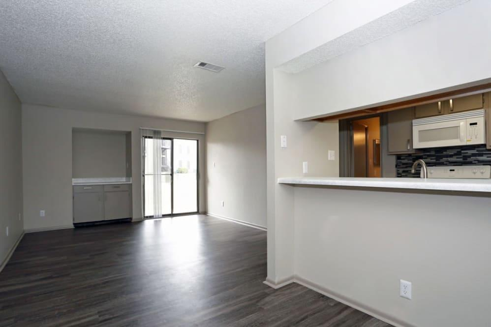 4934 Woodstone Drive #1-1305, San Antonio, TX - $695 USD/ month