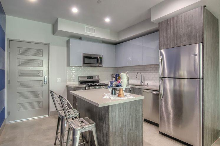 5100 Wilshire Blvd #613, Los Angeles, CA - $4,058 USD/ month