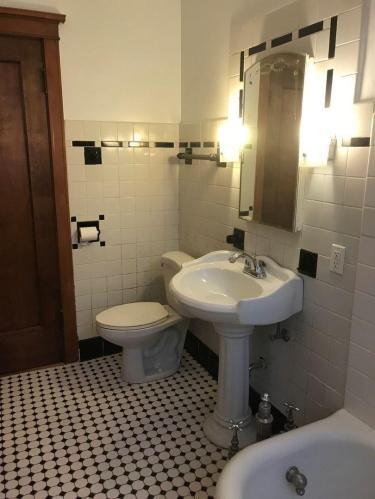119 Washington Blvd #1, Oak Park, IL - $1,750 USD/ month