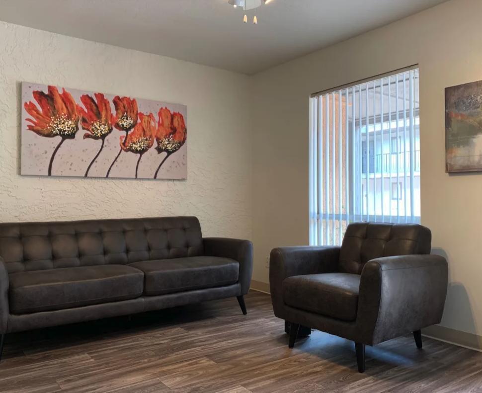 11050 N Biltmore Dr #129, Phoenix, AZ - $784 USD/ month