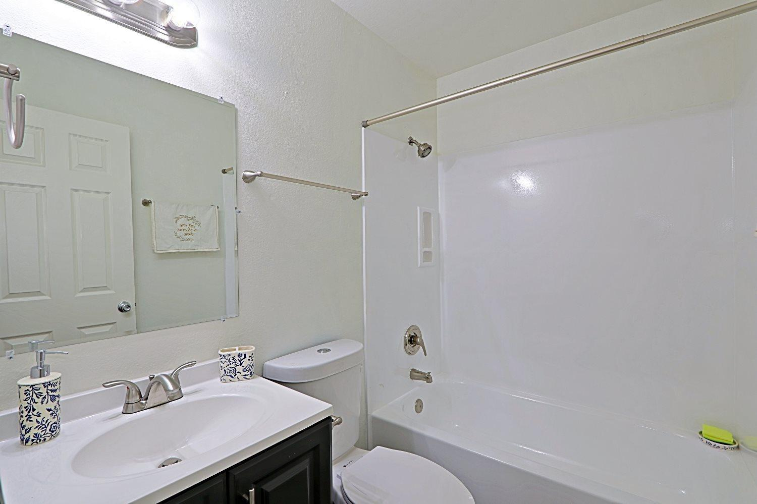 1312 Hardy Dr #13 - 1175USD / month