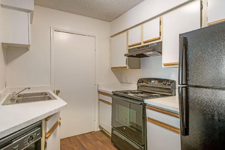4335 Central Avenue #311, Charlotte, NC - 948 USD/ month