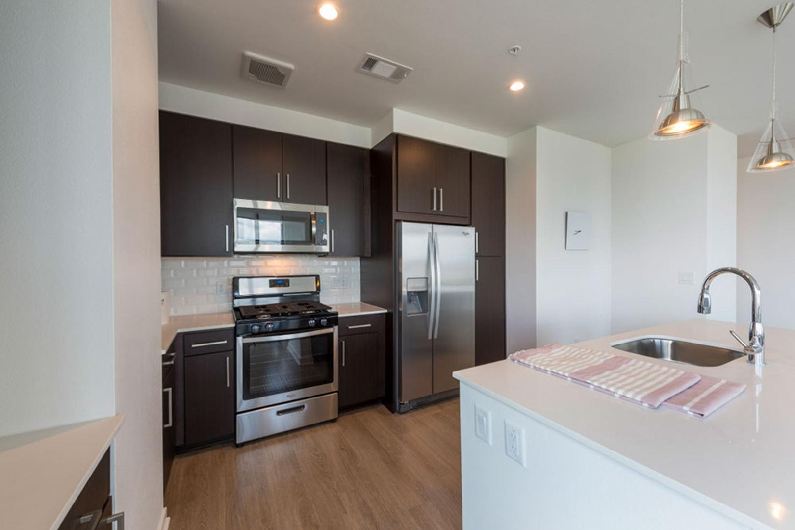 1911 Holcombe Blvd #2209 - 5654USD / month
