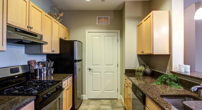 375 Broadway #02-113, Lynnfield, MA - 2,720 USD/ month