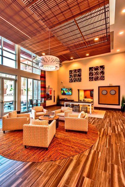 4650 N Central Ave #295, Phoenix, AZ - $2,007 USD/ month