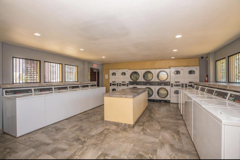 5535 W McDowell Road #Dahlia Classic, Phoenix, AZ - $750 USD/ month