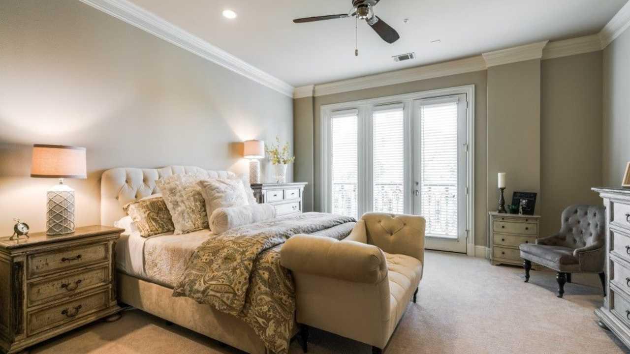 6535 Bandera Avenue, Dallas, TX - $4,443 USD/ month