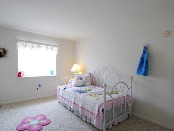 101 Paisley Lane #FP-One Bedroom w/ Family Room - 1100USD / month
