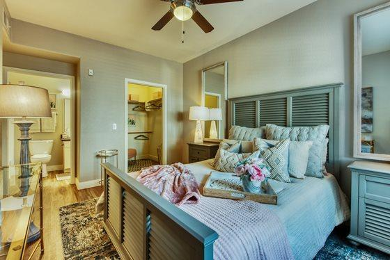 1464 S Stapley Dr #1006 - 1397USD / month