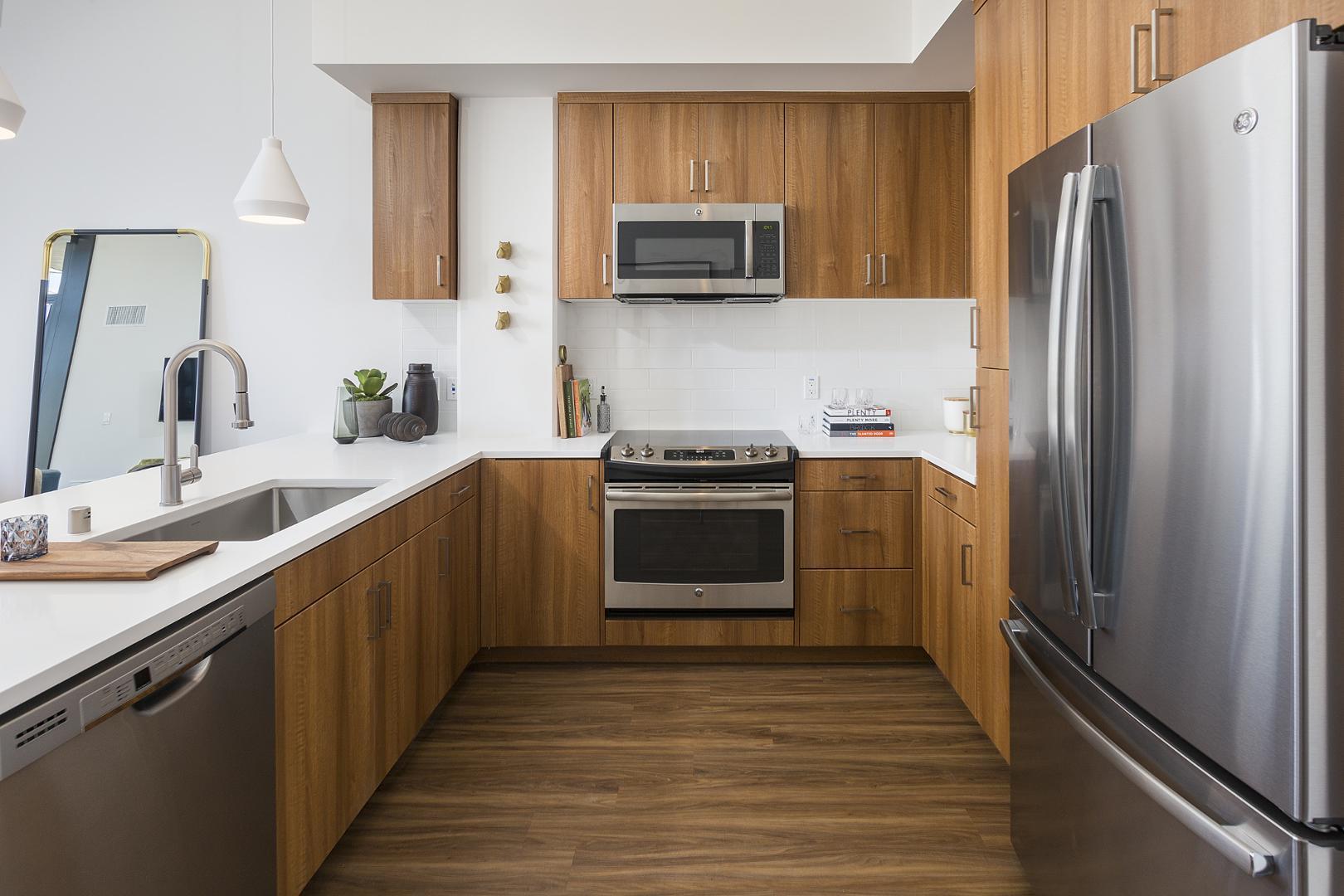 300 14th Street #1604, San Diego, CA - $4,440 USD/ month